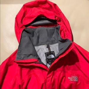 EUC THe North Face Hyvent red raincoat, SzM